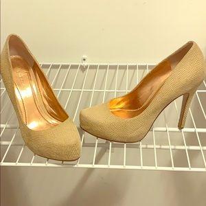Gorgeous natural heel